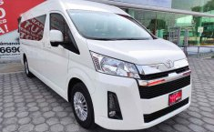 Toyota Hiace-1