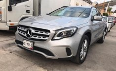 Mercedes Benz GLA 200-2