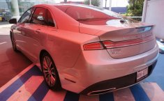 Lincoln MKZ-7