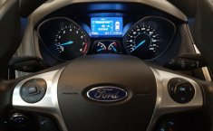 Ford Focus-12