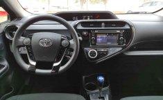 Toyota Prius-12