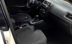 Volks Wagen Jetta 2012-11