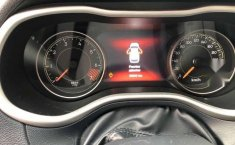 Jeep Cherokee 2015 5p Limited Premium 4x2 L4/2.4 A-7