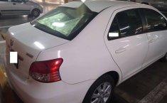 Yaris Sedan Premium 2012 Blanco-4