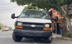 Chevrolet express-2