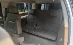 Chevrolet Suburban-10
