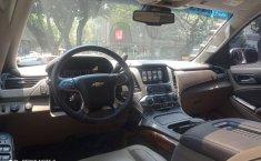 Chevrolet Suburban-4