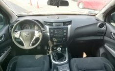 Nissan NP300 Doble Cabina-1