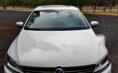 Volks Wagen Jetta 2012-1