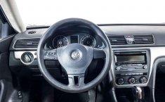 Volkswagen Passat-16
