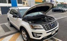 Ford EXPLORER XLT-16