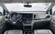 Toyota Sienna-6
