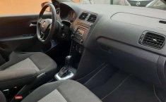 Se vende urgemente Volkswagen Vento Comfortline 2019 en Iztapalapa-2