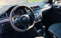 Se vende urgemente Volkswagen Gol Trendline 2017 en Guadalajara-1