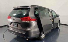Se vende urgemente Toyota Sienna 2013 en Cuauhtémoc-4