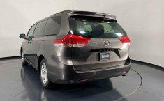 Se vende urgemente Toyota Sienna 2013 en Cuauhtémoc-2