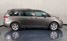 Se vende urgemente Toyota Sienna 2013 en Cuauhtémoc-1