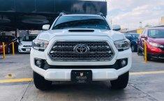 Toyota Tacoma TRD Sport 2017 impecable en Zapopan-0