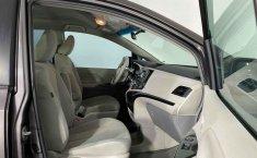 Se vende urgemente Toyota Sienna 2013 en Cuauhtémoc-0