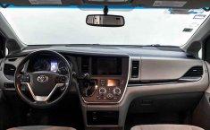Toyota Sienna 2015 en buena condicción-35