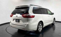 Toyota Sienna 2015 en buena condicción-31