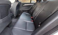 Auto Chrysler C 200 2013 de único dueño en buen estado-8