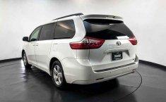 Toyota Sienna 2015 en buena condicción-16