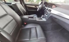 Auto Chrysler C 200 2013 de único dueño en buen estado-3