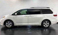 Toyota Sienna 2015 en buena condicción-11