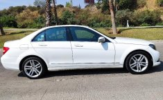 Auto Chrysler C 200 2013 de único dueño en buen estado-0