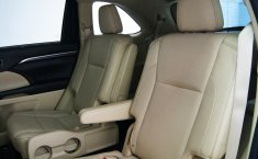Toyota Highlander 2015 SUV -13