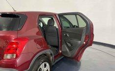 Se pone en venta Chevrolet Trax 2015-14