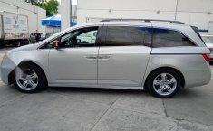 Se pone en venta Honda Odyssey Touring 2012-10