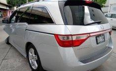 Se pone en venta Honda Odyssey Touring 2012-8