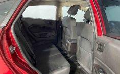 Auto Ford Fiesta 2018 de único dueño en buen estado-4