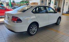 Volkswagen Vento Comfortline 2020 en buena condicción-16