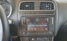Volkswagen Vento Comfortline 2020 en buena condicción-13