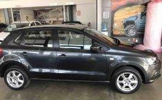 Volkswagen Polo 2015 en buena condicción-12