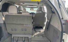 Toyota Sienna 2014 impecable en Tlalpan-20
