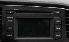 Pongo a la venta cuanto antes posible un Hyundai Elantra en excelente condicción-17