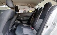 Auto Nissan Versa Sense 2020 de único dueño en buen estado-11