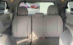 Toyota Sienna 2014 impecable en Tlalpan-9