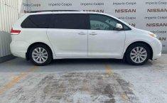 Toyota Sienna 2014 impecable en Tlalpan-8
