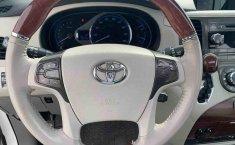 Toyota Sienna 2014 impecable en Tlalpan-5