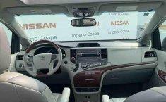 Toyota Sienna 2014 impecable en Tlalpan-3