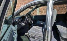 Chrysler Town & Country 2005 en buena condicción-7