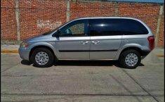 Chrysler Town & Country 2005 en buena condicción-2