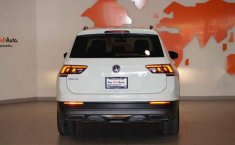 Volkswagen Tiguan 2019 5p Confortline L4/1.4/T Aut-17