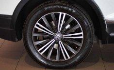 Volkswagen Tiguan 2019 5p Confortline L4/1.4/T Aut-16