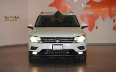 Volkswagen Tiguan 2019 5p Confortline L4/1.4/T Aut-14